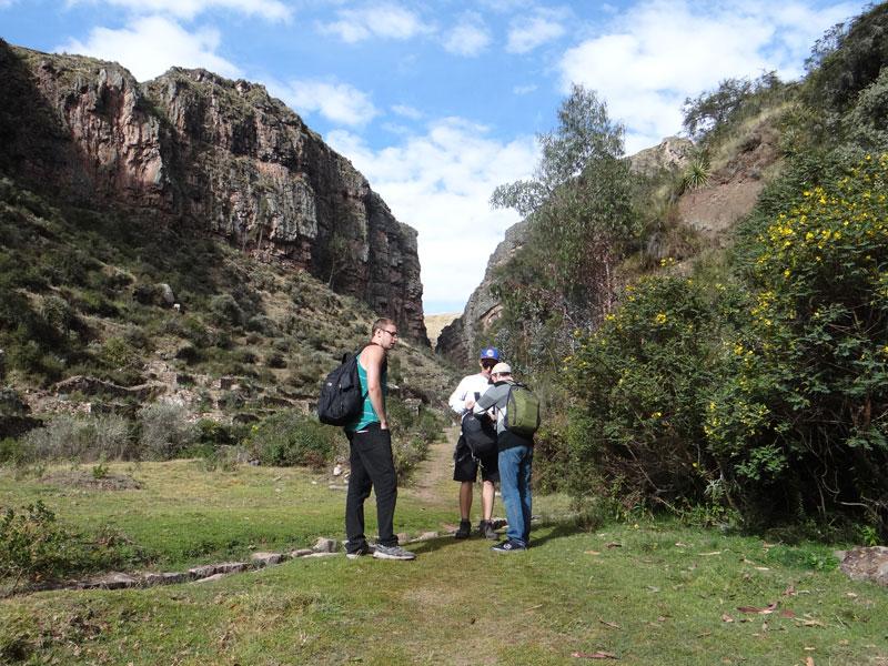 Trekking to Huchuy Qosqo